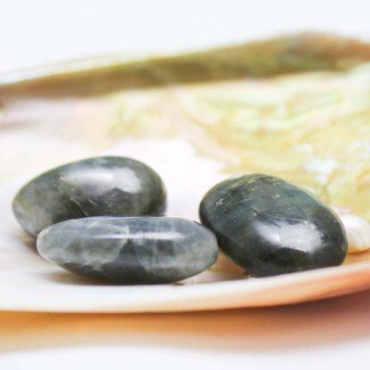 pierre-roulée-labradorite