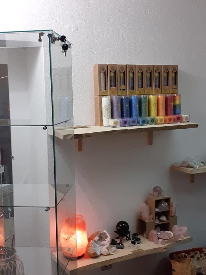 Intérieur boutique Energies des pierres 5
